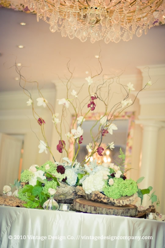 Queen's Landing Atrium floral decor