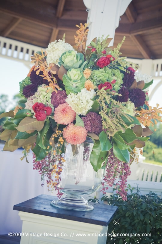 Vintage Design Co. // Niagara-on-the-Lake Wedding Flowers // Riverbend Gazebo 2