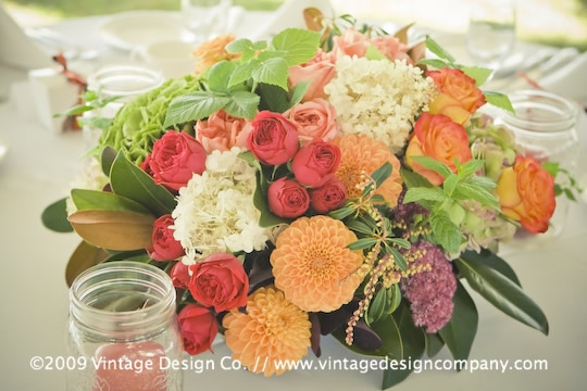 Vintage Design Co. // Niagara-on-the-Lake Wedding Flowers // Centerpieces 3
