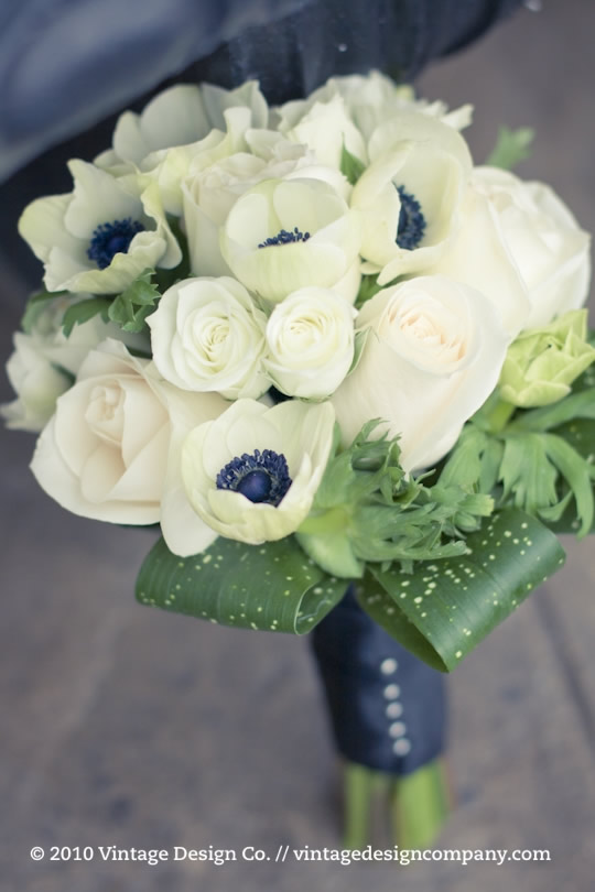 Bridesmaids Bouquet in white with anemones