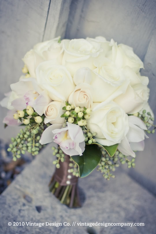 Bridal Bouquet in white and pink ... very modern vintage