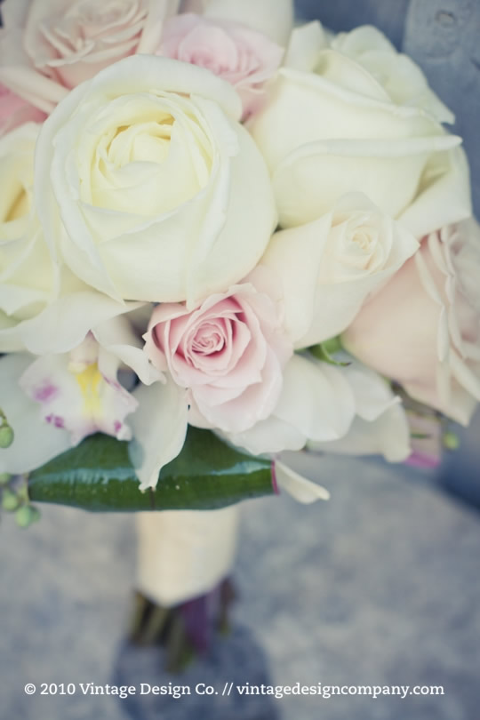 Bridesmaid Bouquet in white and pink