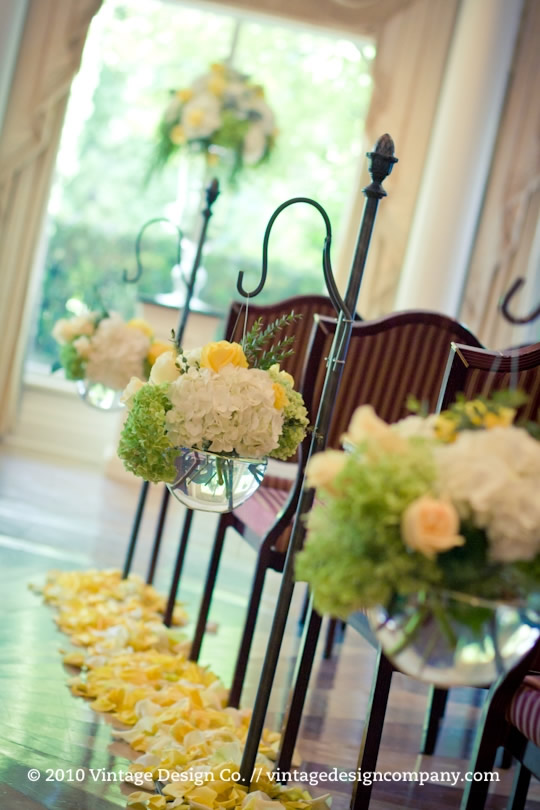 Wedding Flowers On Shepherds Hooks : Viewing entries tagged as ? yellow