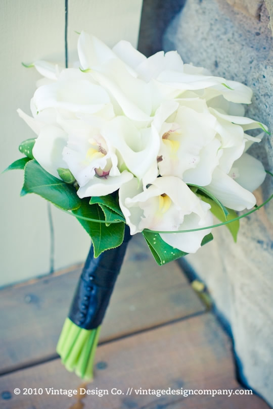 Niagara Wedding Florist // White Calla Lily Bridesmaid Bouquet