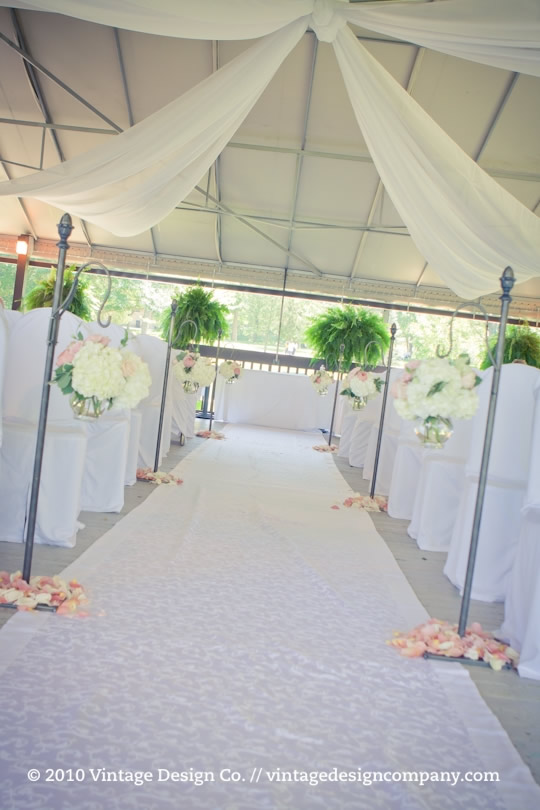 Niagara on the Lake Wedding Florist // Wedding Ceremony at Queenston Heights