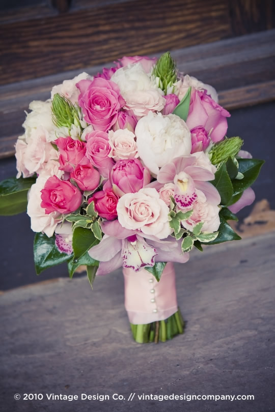 Vintage Design Co. // Niagara-on-the-Lake Wedding Florist // Bride's Bouquet