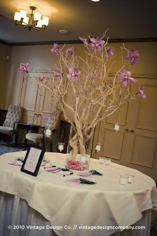 Vintage Design Co. // Niagara-on-the-Lake Wedding Florist // Wedding Ceremony