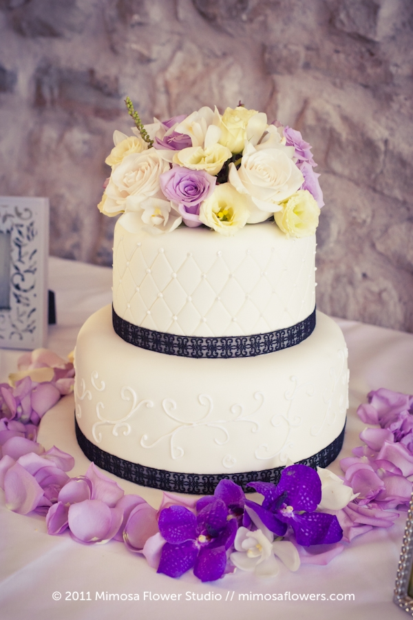 Vineyard Sweets Wedding Cake at Vineland Estates Winery