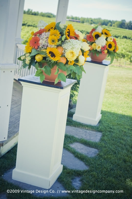 Vintage Design Co. // Niagara-on-the-Lake Wedding Flowers // Riverbend Gazebo 3