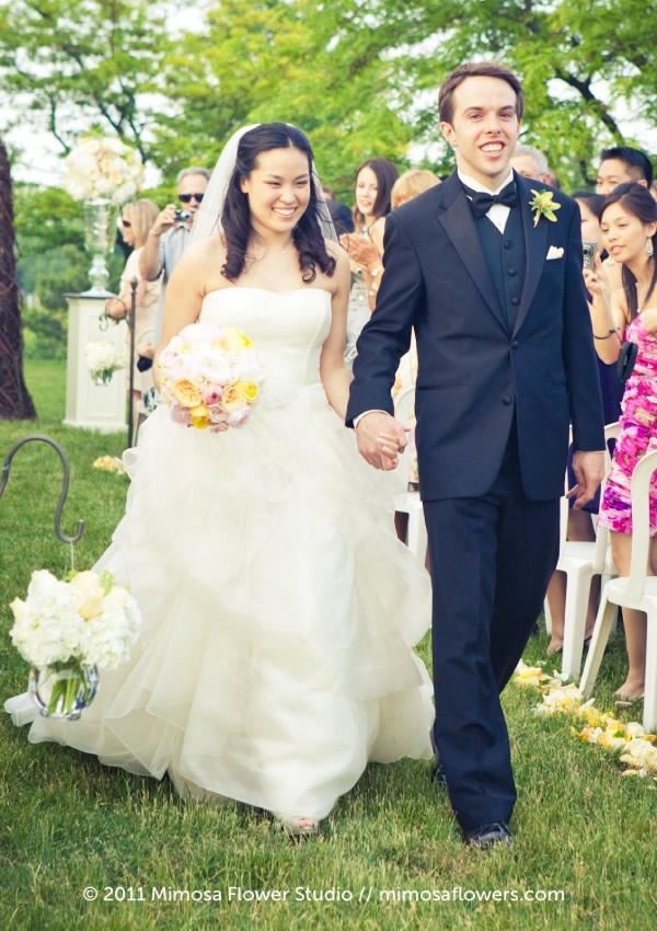 Outdoor Wedding Ceremony at Chateau des Charmes Winery 2