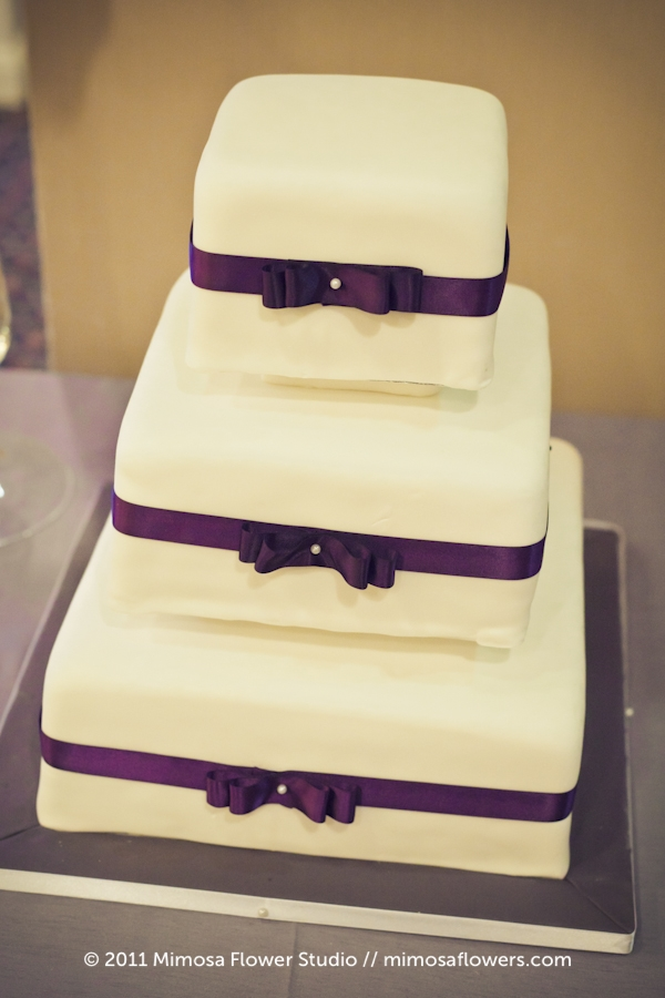 Queen's Landing Vineyard Sweets Wedding Cake
