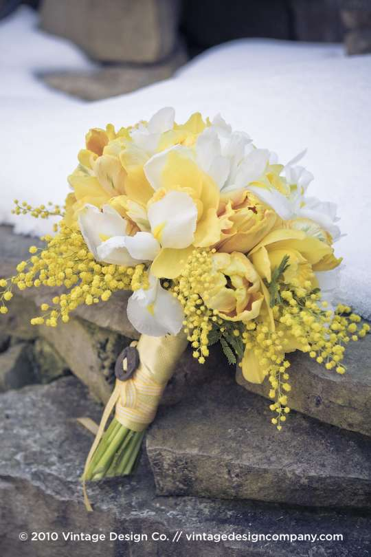 Vintage Design Co. // Yellow Bride's Bouquet