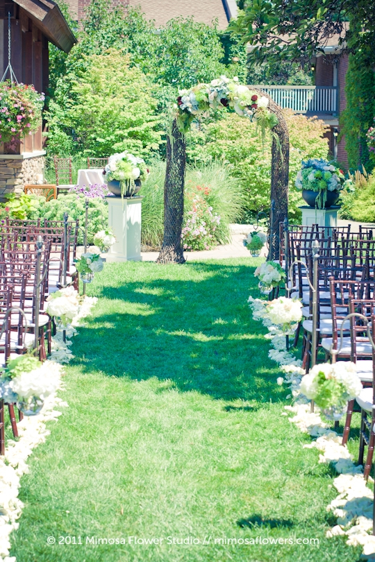 Garden Wedding at Pillar and Post in Niagara on the Lake - 3