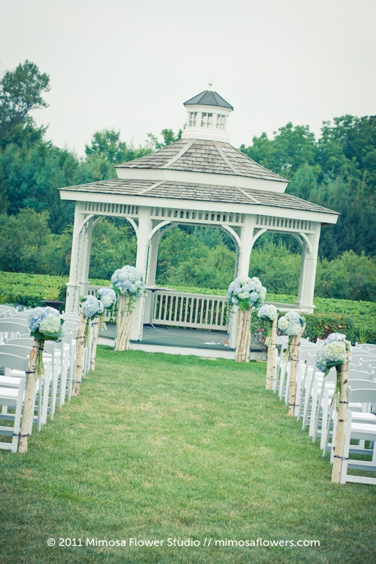 Garden Wedding at Riverbend Inn in Niagara on the Lake